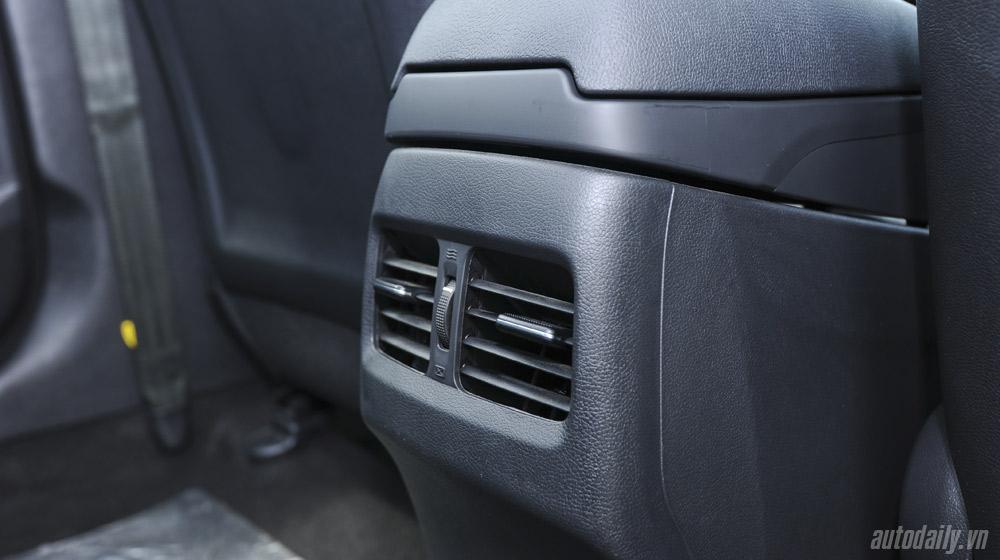 Hyundai-Elantra (52).jpg