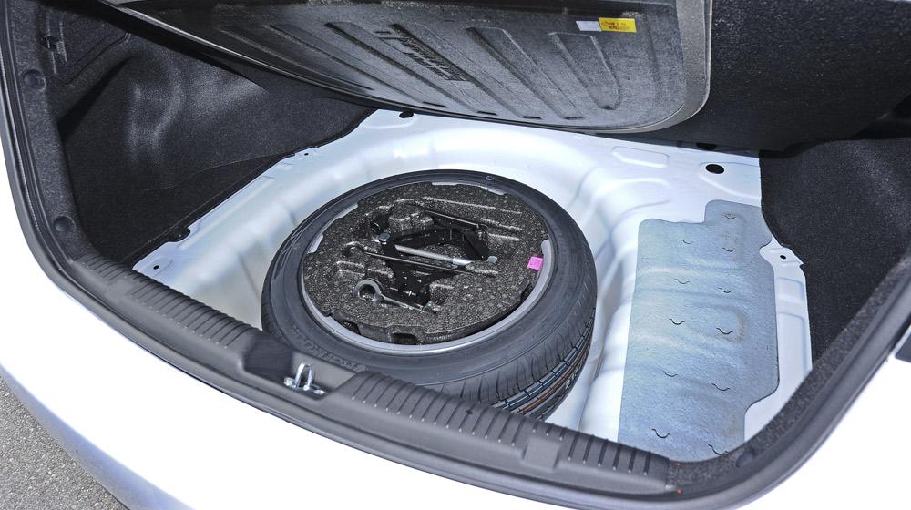 Hyundai-Elantra (58).jpg