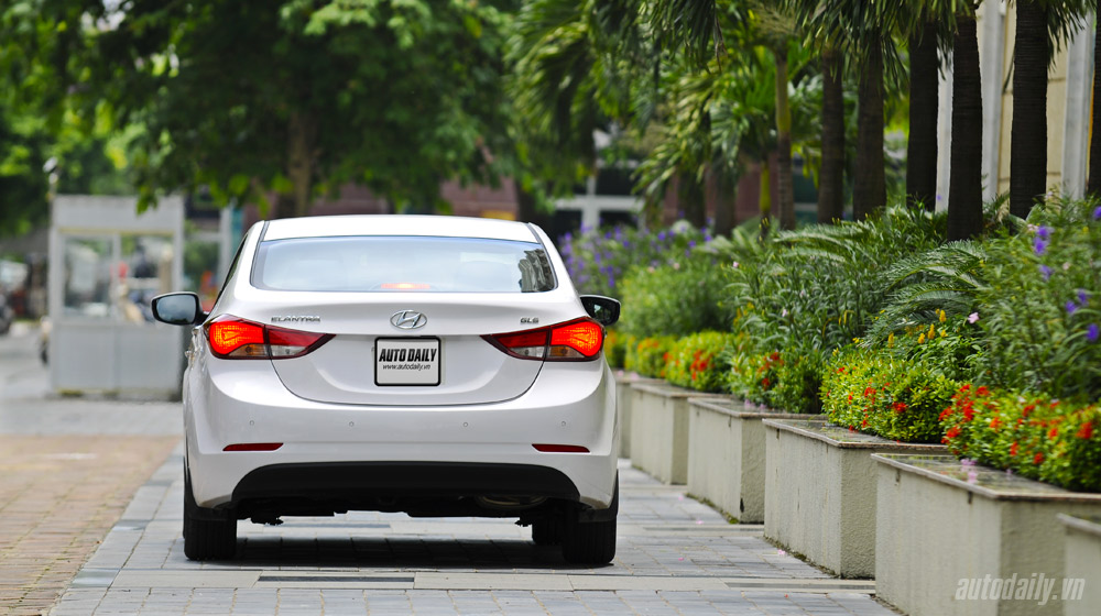 Hyundai-Elantra (7).jpg