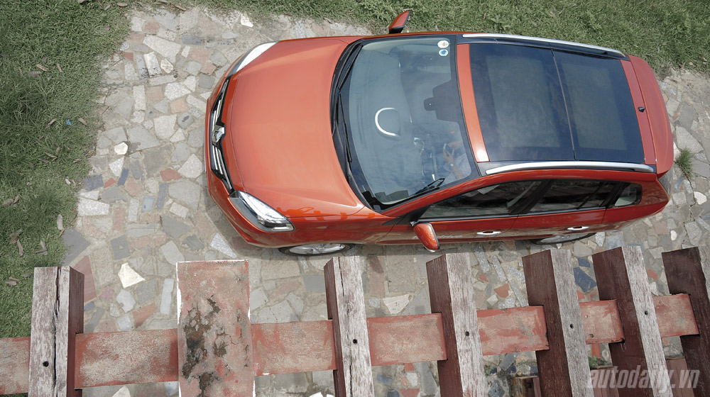 Thưởng thức tiện nghi trên Renault Koleos 2014 - 4