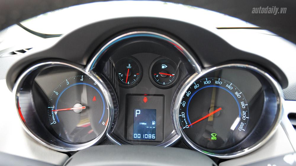 Chevrolet Cruze  2014 (42).jpg