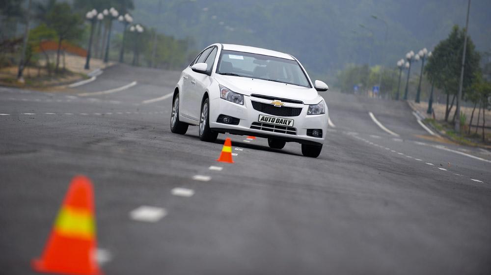 Chevrolet Cruze  2014(28)-1.jpg