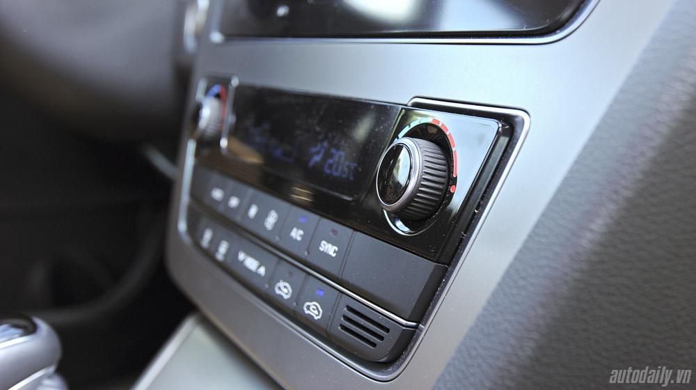 Hyundai Sonata 2014 (44).jpg