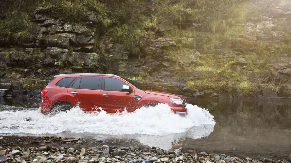 New_Ford_Everest_Water.jpg