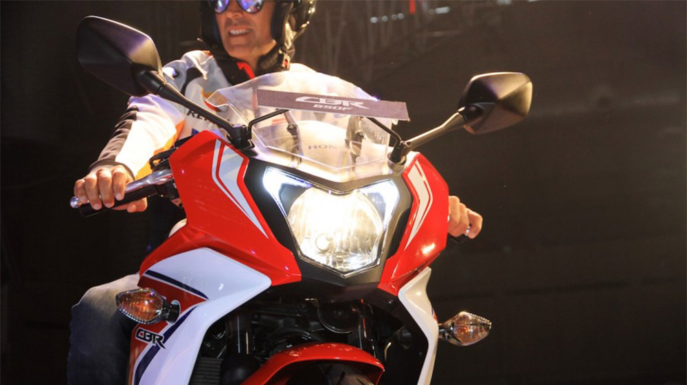 2015-Honda-CBR-650R-headlamps-launched-900x600.jpg