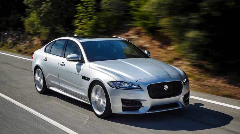 Jaguar XF 2016.