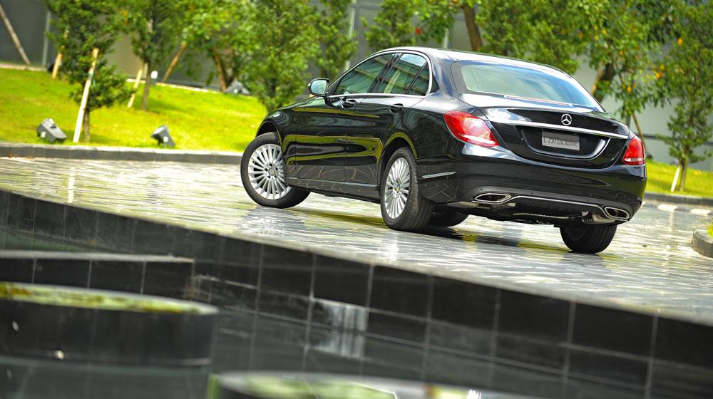 Mercedes-benz-C250-Exclusive-(1).jpg