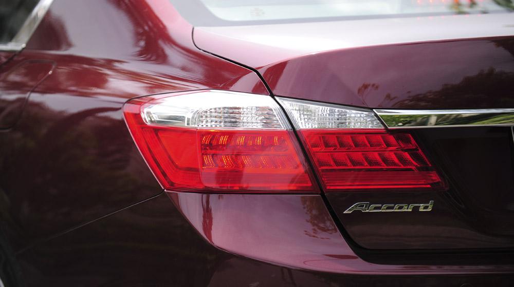 HondaAccord2015_31.jpg