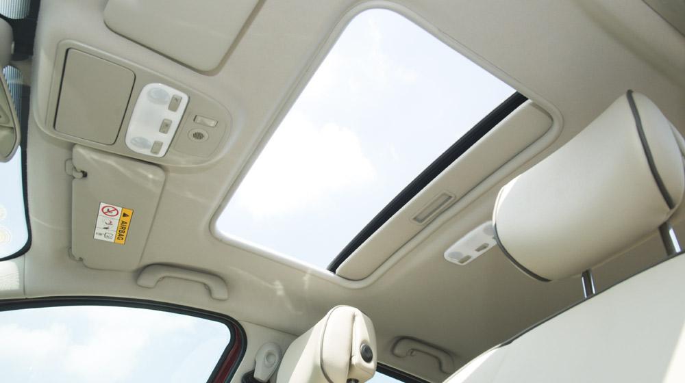 Renault Megane Hatchback_16.jpg
