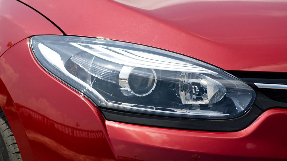 Renault Megane Hatchback_17.jpg