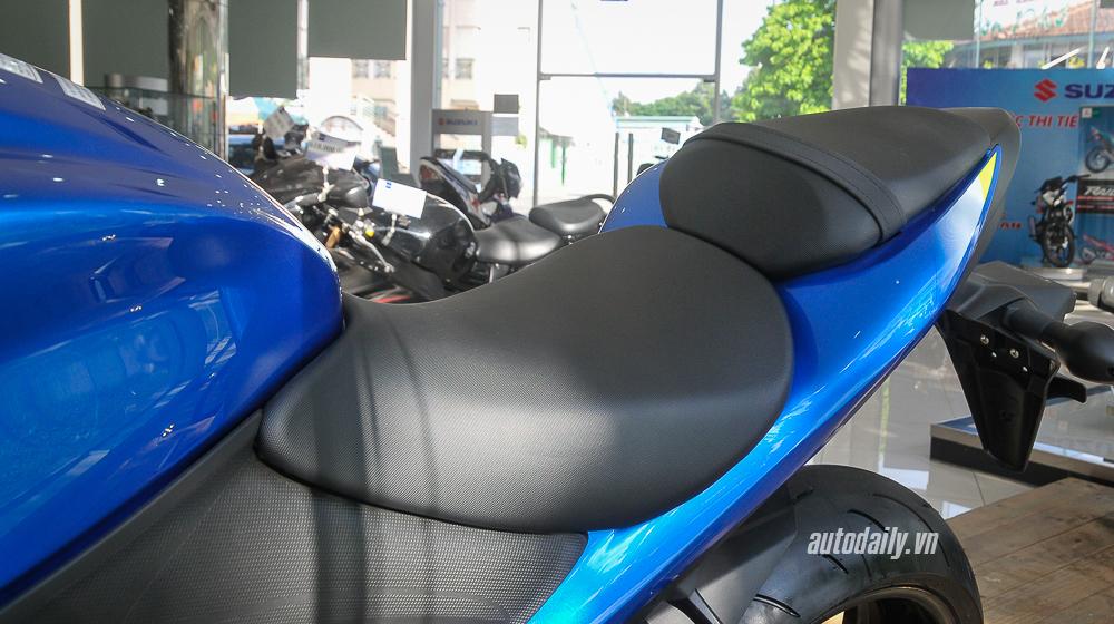Suzuki_GSX_S1000 (17).jpg