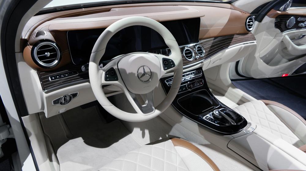 Đánh giá Mercedes-Benz E-Class 2017 thế hệ mới nhất